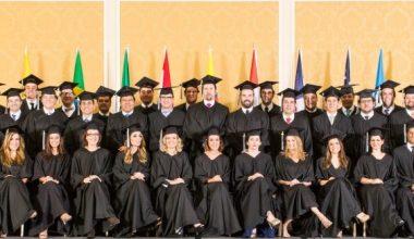 Multinational MBA titula a 42 nuevos egresados en Miami
