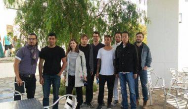 Académico y alumnos de MIT participaron en mesa redonda en Design Lab