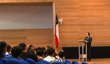 Ramiro Mendoza dio la bienvenida a la Facultad de Derecho a los mechones 2016