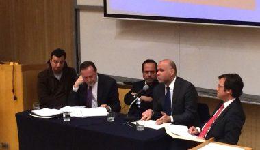 Importantes figuras del derecho y los medios debatieron en la UAI sobre el camino a una nueva constitución
