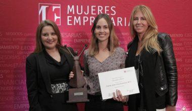 Ex alumna de la Escuela de Negocios gana premio Joven Emprendedora 2016
