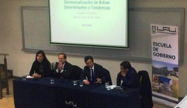 Escuela de Gobierno organizó seminario sobre desmutualización de la Bolsa de Comercio