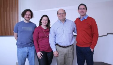 Economista de Stanford University visitó Campus Viña del Mar