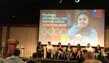 Profesora Claudia Cruzat expone en seminario sobre obesidad y etiquetado de alimentos