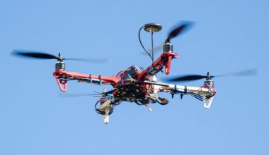 Fabricar y volar drones: Curso de DesignLab es pionero en Chile