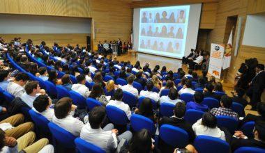 Ingeniería Comercial UAI recibe a sus nuevos alumnos
