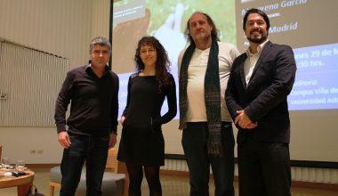 Poetas y psicólogos compartieron su experiencia con alumnos de Viña