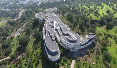 Nuevamente Escuela de Negocios UAI destaca como la mejor de Chile y 2° de Latinoamérica