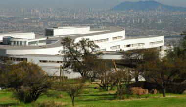 Escuela de Negocios UAI, única universidad de latinoamérica en ranking de Financial Times