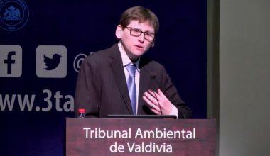 Alberto Pino de Derecho UAI presentó sobre responsabilidad civil y daño medioambiental