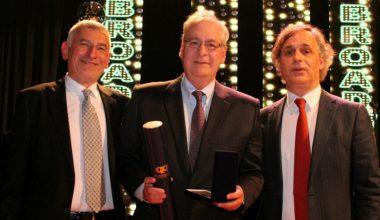 UAI recibe medalla al mérito regional por su aporte al desarrollo de la región de Valparaíso