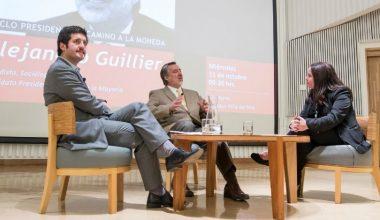 """Alejandro Guillier en ciclo presidencial """"Camino a la Moneda"""" en UAI Viña"""