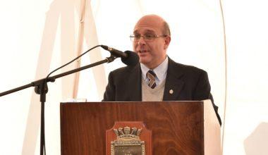 Fernando Wilson presentó libro sobre Almirantes Blanco y Cochrane