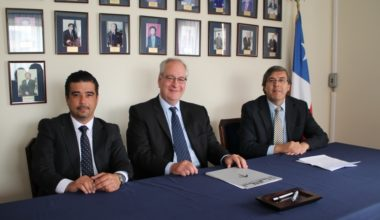 UAI y Colegio Saint Dominic firman acuerdo de cooperación