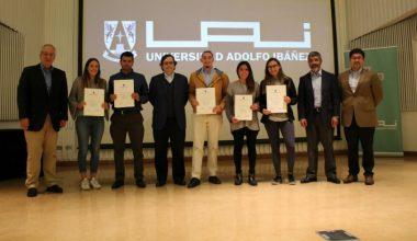 Ingeniería Comercial premió a ayudantes destacados en Campus Viña
