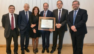 UAI entrega Premio Innovación Tecnológica en Ingeniería Categoría Nacional a ENAEX