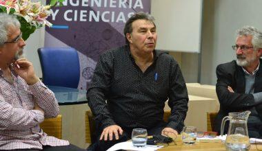 """Eric Goles presentó en la UAI su último libro """"La conspiración de Babel"""""""