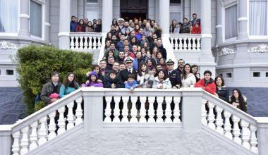 Alumnos del Magíster en Dirección Financiera visitaron el SHOA y Escuela Naval