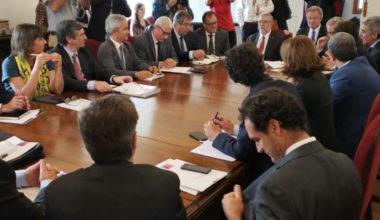 Harald Beyer asiste a primera sesión del consejo asesor para la educación superior