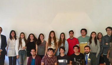 Autoridades UAI se reunieron con alumnos de Beca Total