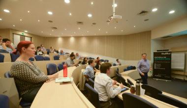 ¿Por qué empleamos mal la información? Profesor Ariel Casarín expuso en la primera Master Class MBA UAI Santiago