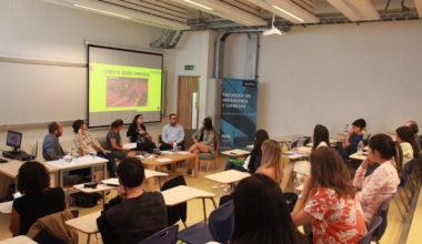 Profesores y estudiantes reflexionan sobre la brecha de género en la FIC