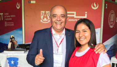 UAI estrecha lazos con Perú