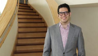 Las eclécticas investigaciones de Pablo Egaña: Nuevo profesor Escuela de Negocios UAI