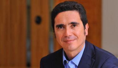 Decano de Escuela de Gobierno UAI asume como Ministro de Hacienda