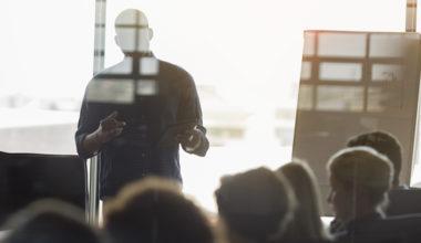 Directorios 4.0: Desafíos y oportunidades en entornos disruptivos y cambiantes