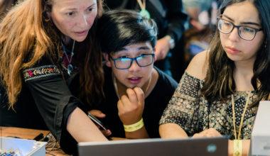 Fortaleciendo la educación digital en Chile
