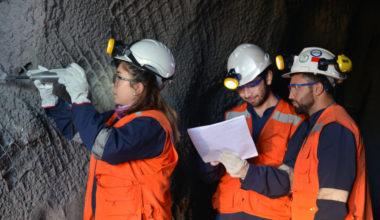 Desafíos y logros de la educación en minería