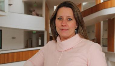 Diana Krüger preside mesa de educación del INE