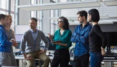 ¿Cómo liderar estrategias y equipos de comunicaciones?