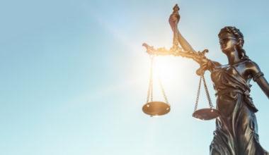 Tribunales constitucionales como defensa de la democracia