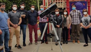 Proyecto Gemini: académicos de Ingeniería UAI entregan los primeros telescopios a colegios de Peñalolén